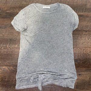 Basic grey tee